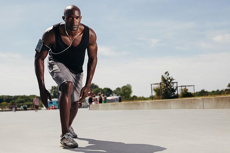 Fii omul pregătit să meargă pentru o alergare