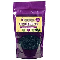 სუპერიერების ახალი გაყინული Aroniaberries